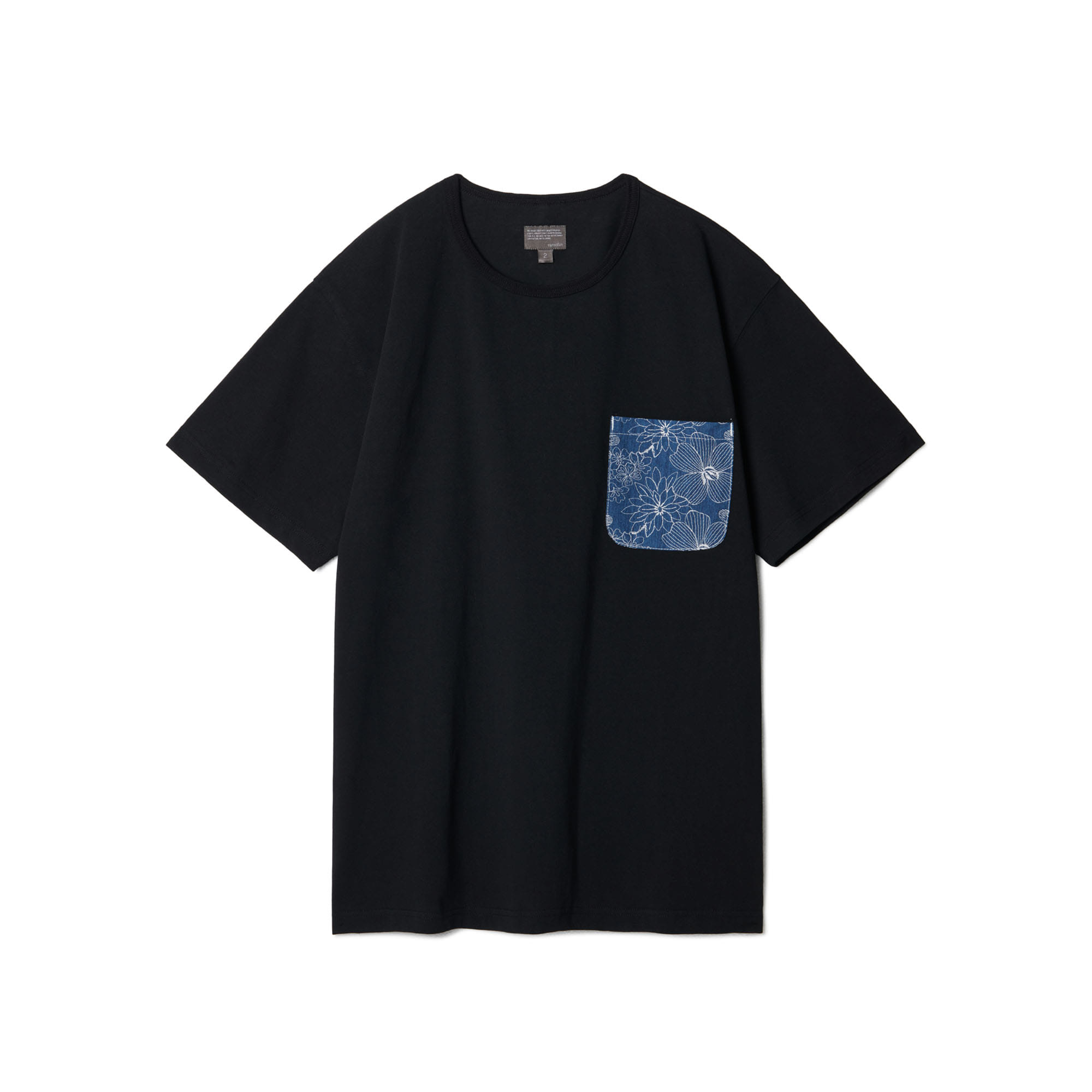 Flower Embroidery Pocket T-shirts Black